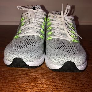 Nike Shoes - Women's Nike Zoom All Out Low Shoes 8.5 NWOT